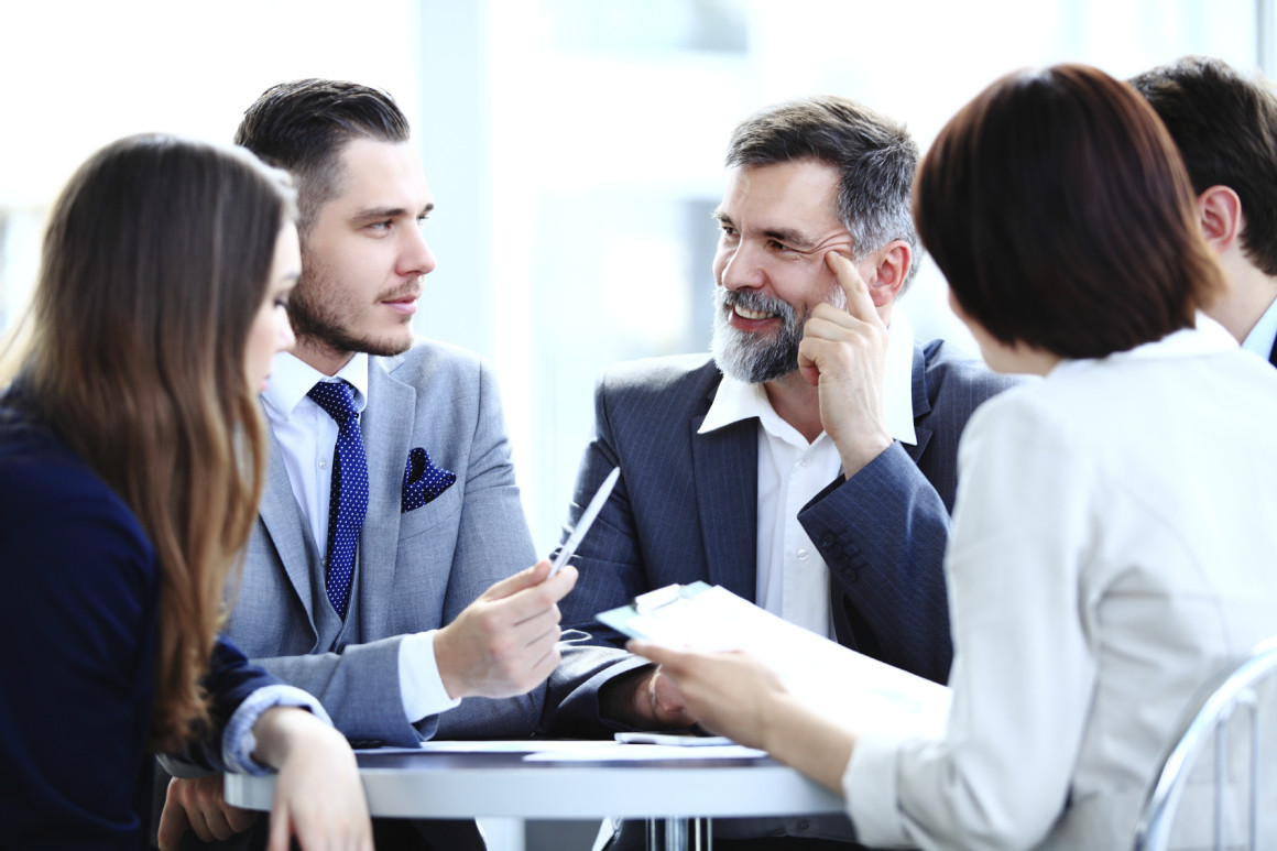 differences between senior executives